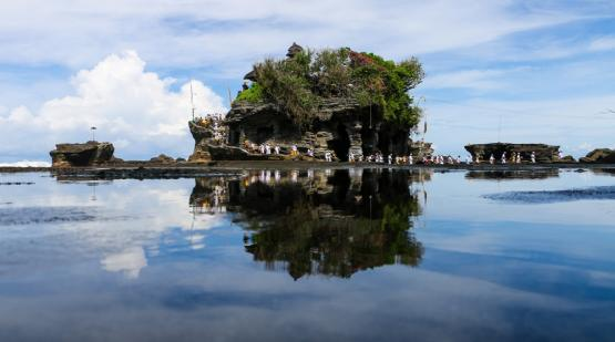 Tanah-Lot-Ready-to-Welcome-Bali-Open-Border.html
