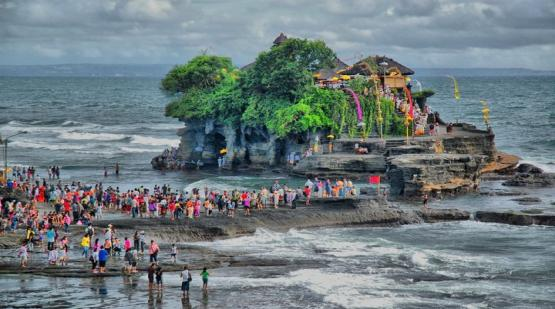 Tanah-Lot-Rich-in-Tourist-Attraction.html