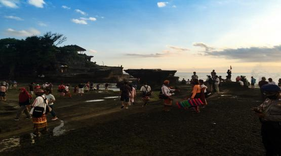 9285-Visitors-Was-Visited-Tanah-Lot-on-Long-Holiday-Last-October.html