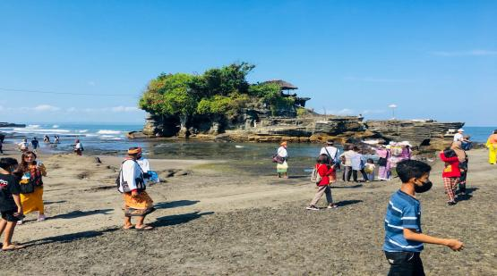 Tanah-Lot-Welcomes-Discourse-Work-From-Bali.html