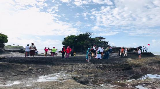 Ten-Thousand-Visitors-at-Tanah-Lot-for-Three-Days.html