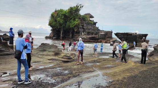23-Thousand-Tourists-Was-Visited-Tanah-Lot-in-January.html